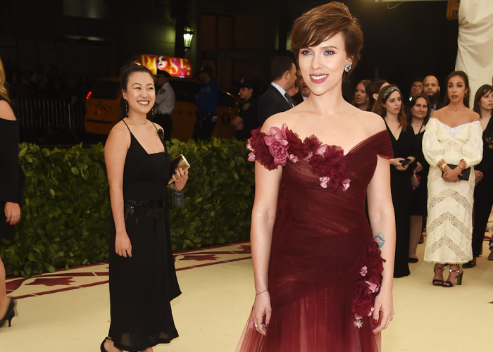 Scarlett Johansson Wore Marchesa After Harvey Weinstein Scandal