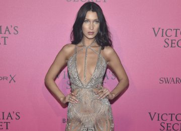 15 Celebrities Who Are Obssesed With Naked Dresses