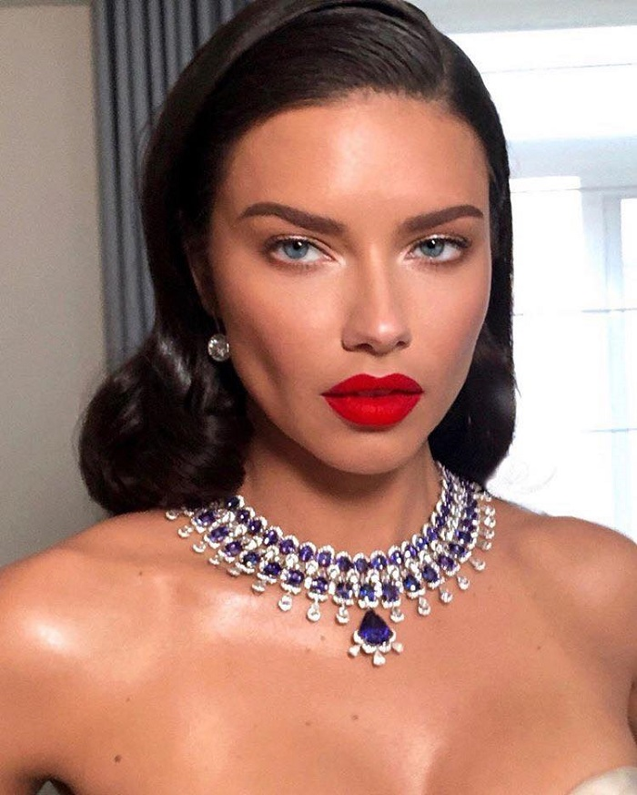 Celebs Are Showing You How To Work A Red Pout In Summer Adriana Lima