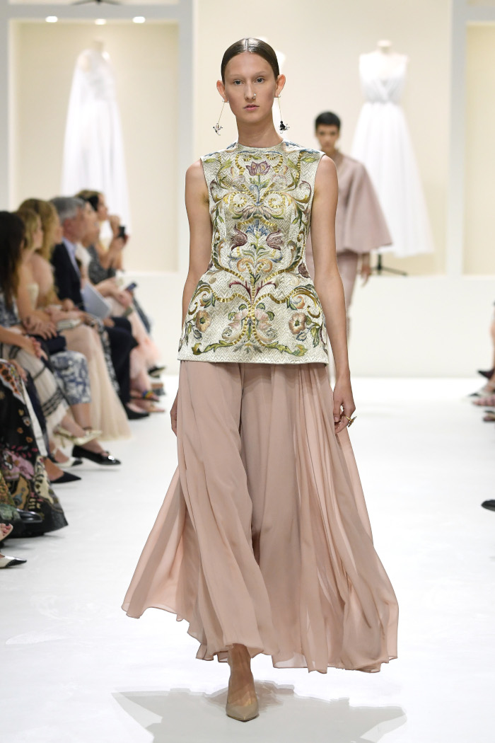 Christian-Dior-Fall-2018-Couture-at-Haute-Couture-PFW
