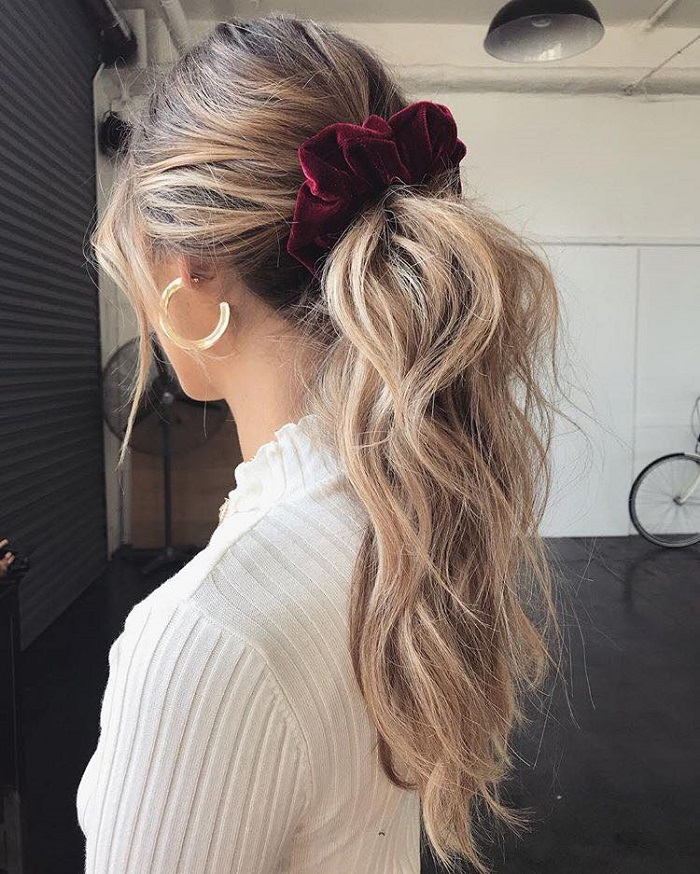 Pretty Ways To Accessorize Your Do This Season scrunchie