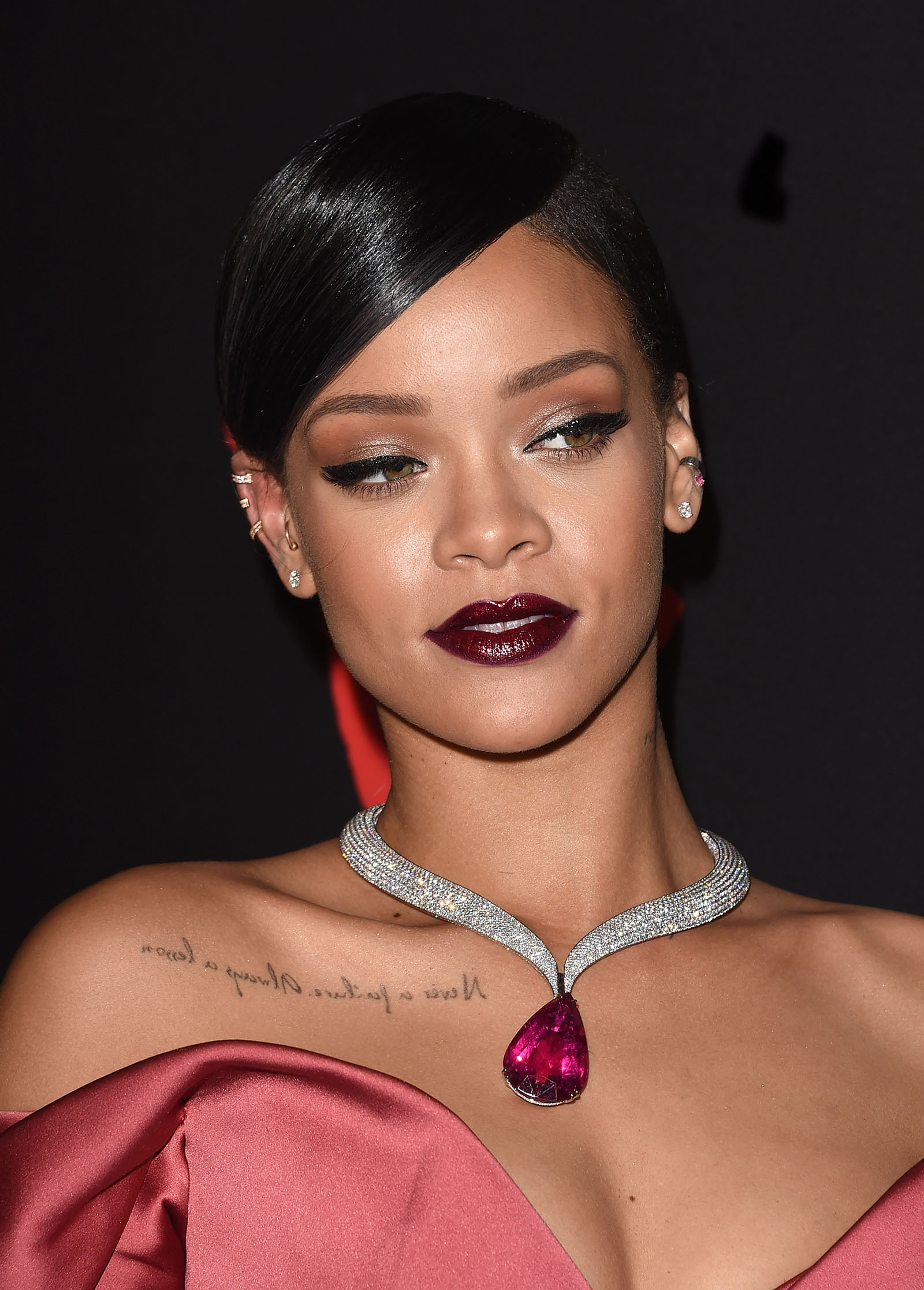 Rihannas-Most-Iconic-Makeup-Looks