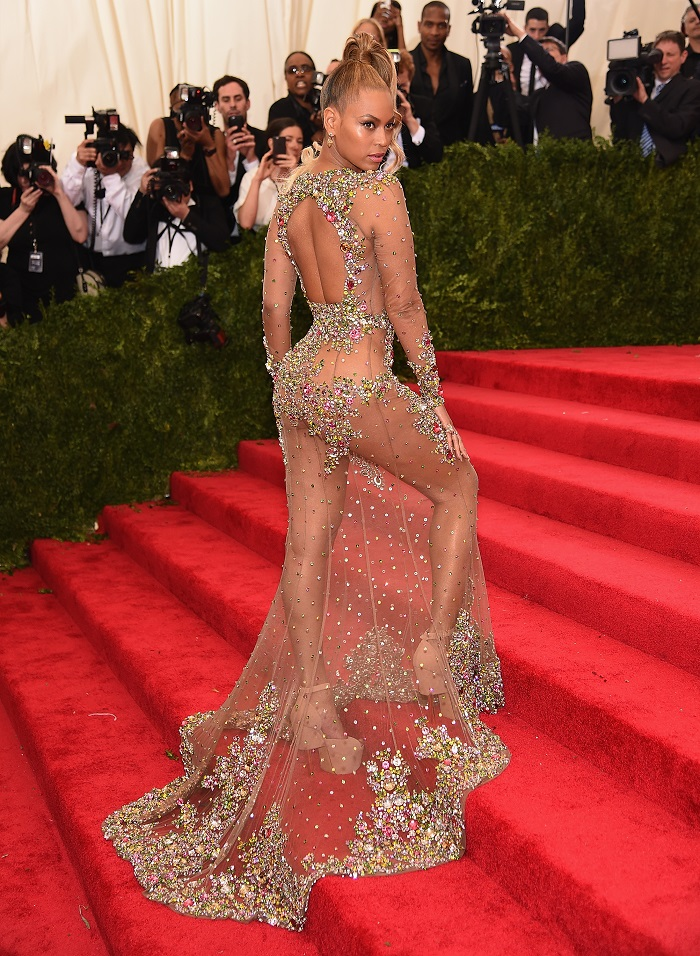 The-Hottest-Red-Carpet-Appearances-Ever-Beyonce