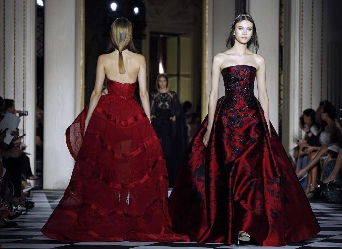 Zuhair-Murad-Fall-2018-Couture-at-Haute-Couture-Paris-Fashion-Week burgundy dress