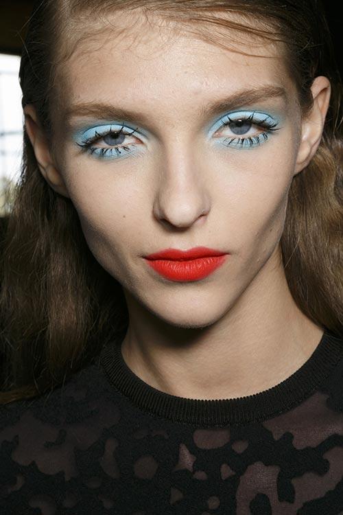 Spring 2015 Sixties Twiggy Makeup Trend: Emanuel Ungaro