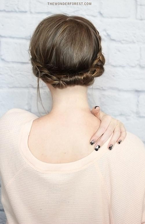Updo Hairstyles for Short Hair: Rolled Updo