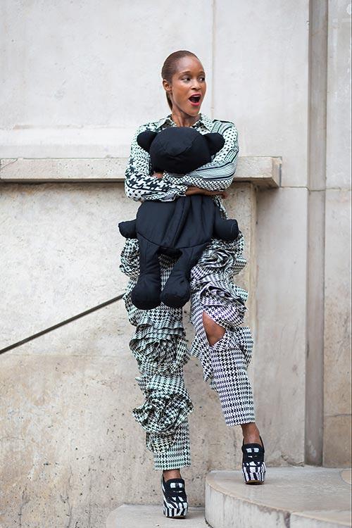 Fresh Ways to Wear Houndstooth Prints: Michelle Elie