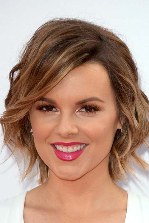 Pretty Holiday Hairstyles to Meet 2015 In Style: Short Wavy Hair - Ali Fedotowsky
