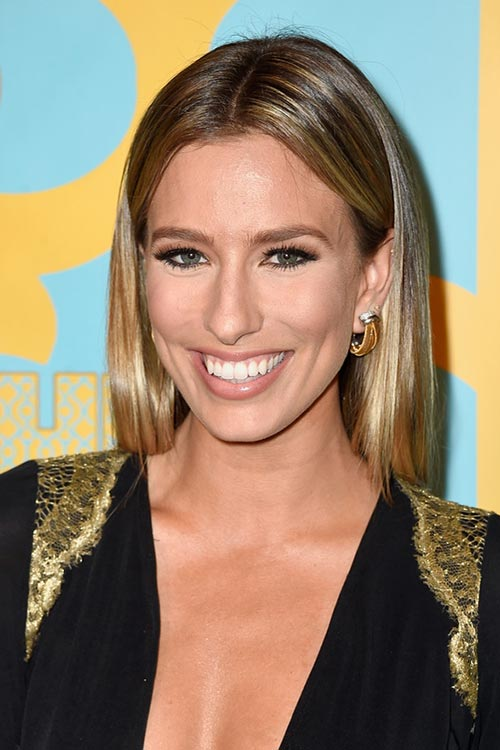 2015 Stylish Celebrity Hairstyles: Renee Bargh Long Straight Hair