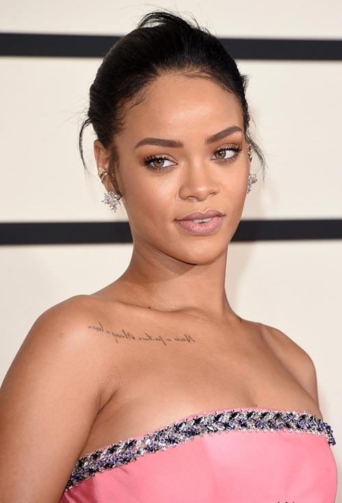 Grammy Awards 2015 Hairstyles and Makeup: Rihanna