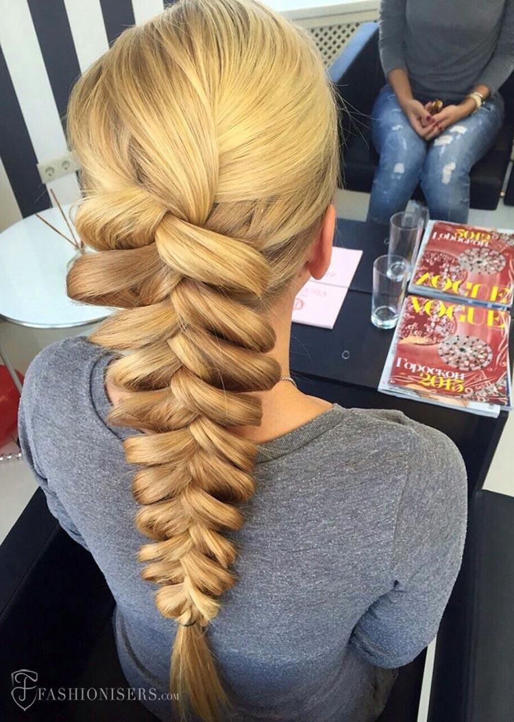 5 Pretty Braided Hairstyles for Summer: Dutch Braid