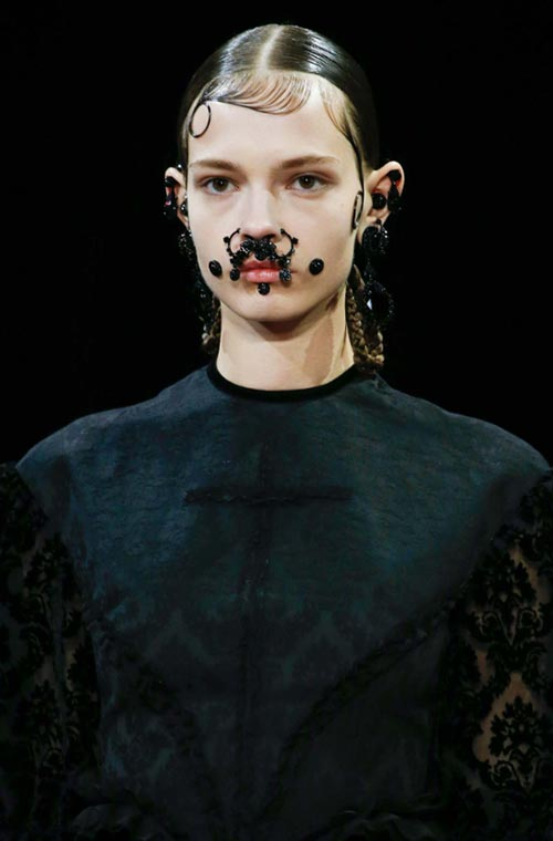 Paris Fashion Week Fall 2015 Accessories: Givenchy