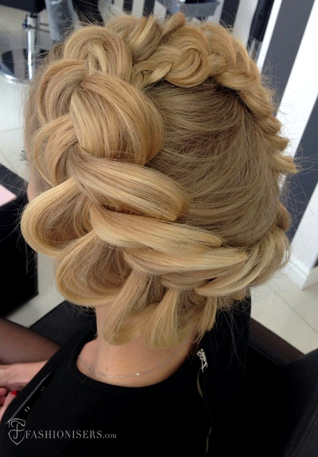 5 Pretty Braided Hairstyles for Prom: Halo Braid