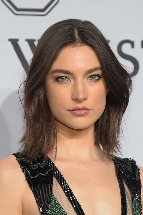 10 Shoulder-Length Layered Hairstyles: Jacquelyn Jablonski
