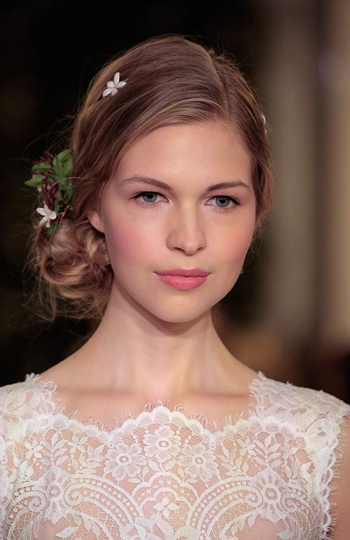 Spring 2016 Bridal Hairstyles and Beauty: Carolina Herrera
