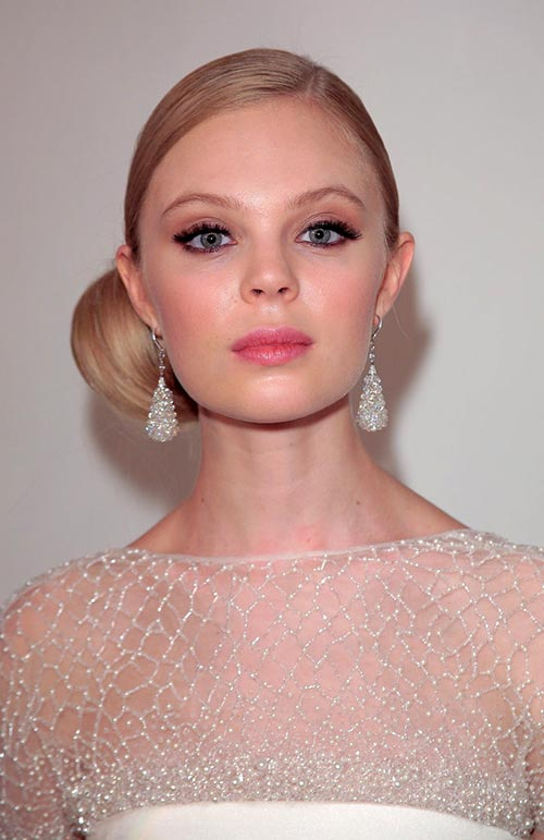 Spring 2016 Bridal Hairstyles and Beauty: Pamella Roland