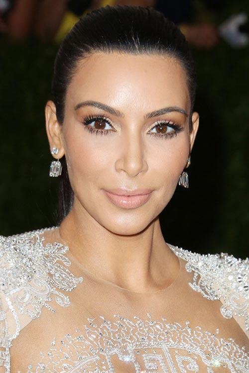 Met Gala 2015 Hairstyles & Makeup: Kim Kardashian