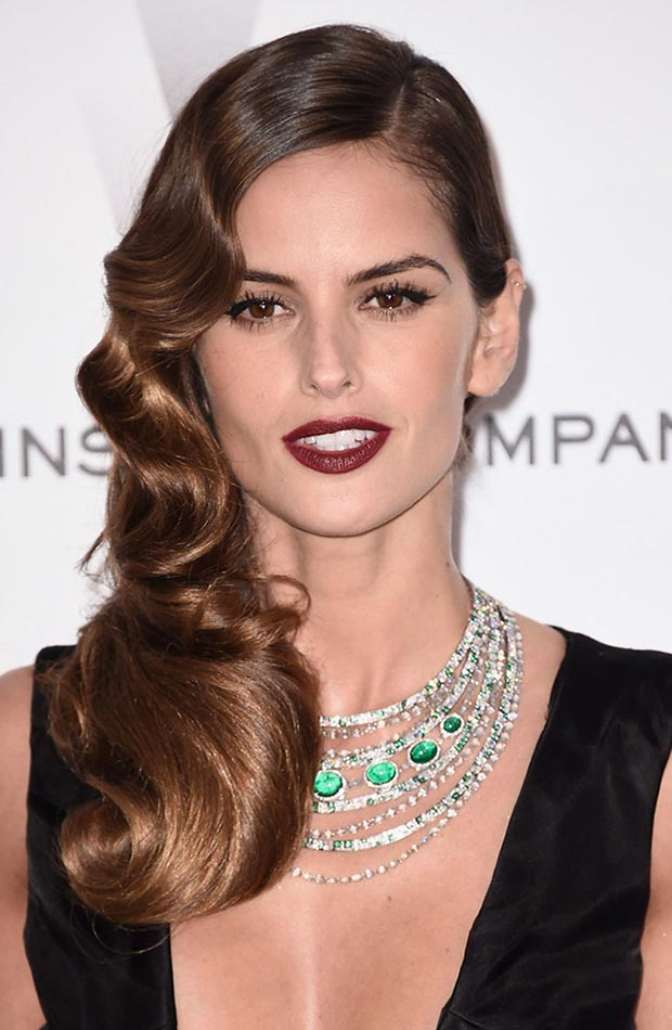 wedding guest hairstyles for summer, Izabel Goulart