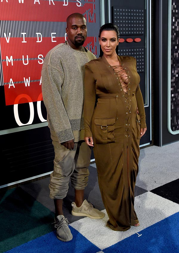 MTV VMAs 2015 Red Carpet Fashion: Kim Kardashian