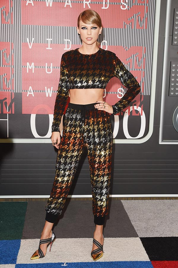 MTV VMAs 2015 Red Carpet Fashion: Taylor Swift