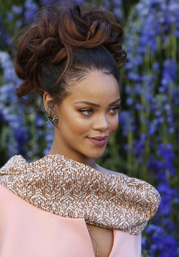 2015 Holiday Party Hairstyles: Rihanna