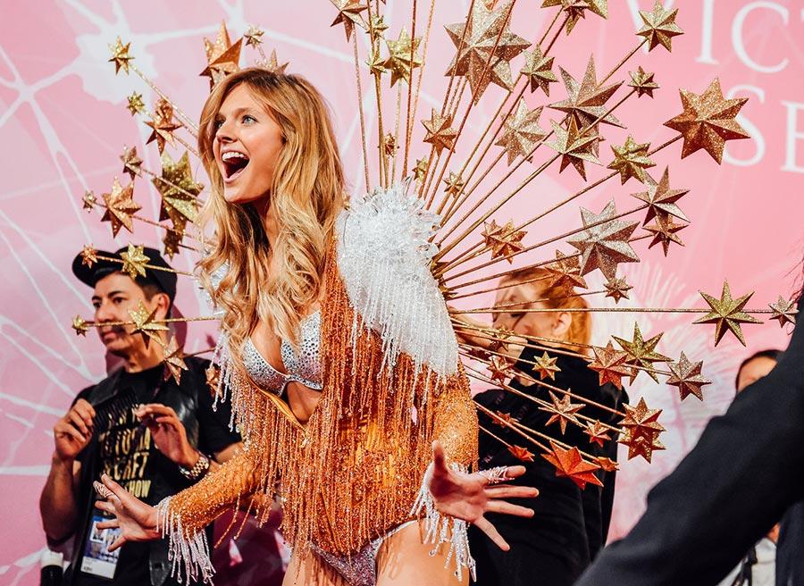 Victoria's Secret Fashion Show 2015-2016 Backstage