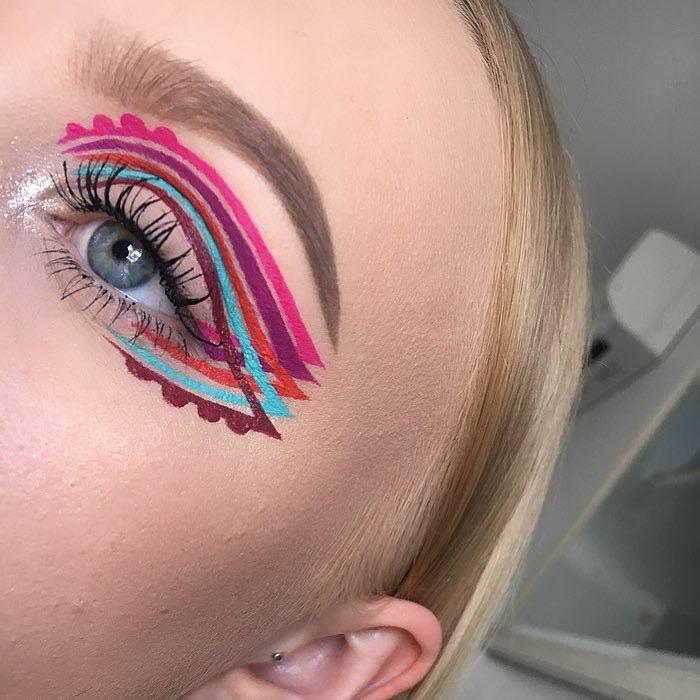 Intricate Winged Eyeliner