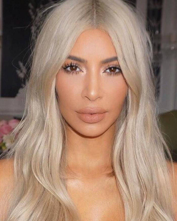 How to do neutral makeup like a celebrity Kim Kardashian
