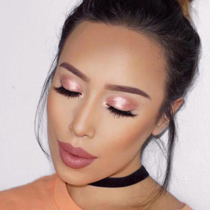 Metallic Makeup Looks to Rock This Winter soft rose makeup