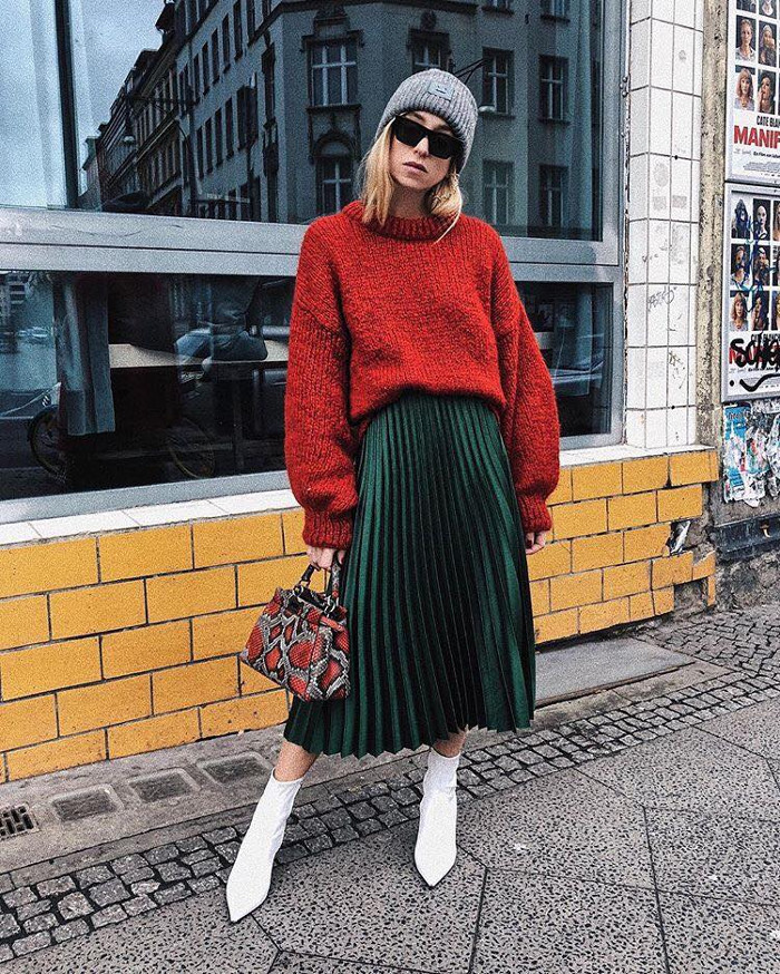 How to Wear Pleated Skirt in Cold Weather pleated skirt, sweater and ankle boots