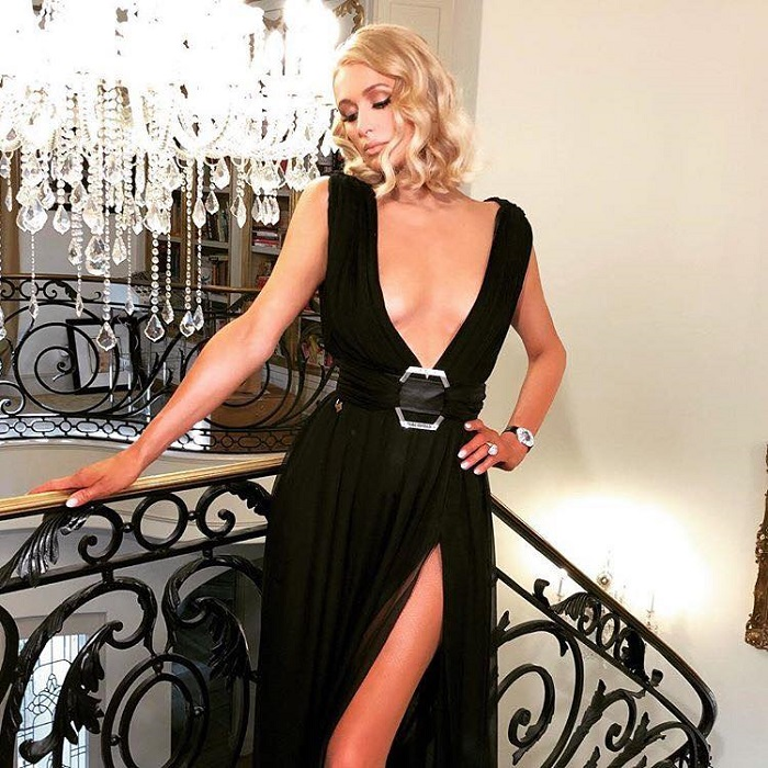 Boldest Celebrity Necklines That Go Way Beyond Your Imagination Paris Hilton