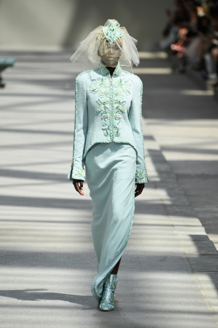 Chanel-Fall-2018-Couture-at-Haute-Couture-PFW mint green two piece suit