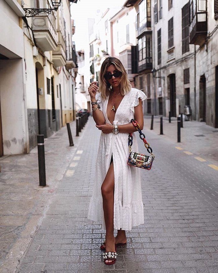 Chic, Trendy Summer Outfits To Steal From Bloggers white maxi dress