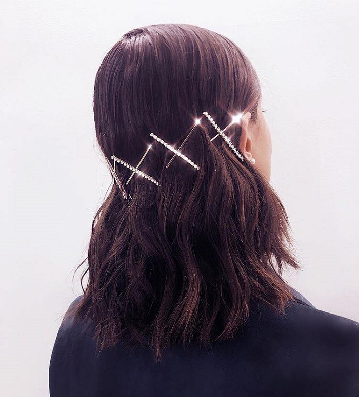 Pretty Ways To Accessorize Your Do This Season bobby pins