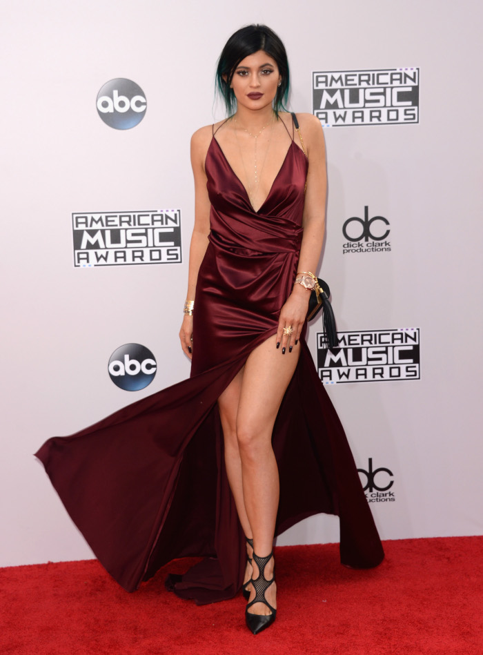 The-Hottest-Celebrity-Silk-Dresses-Kylie-Jenner